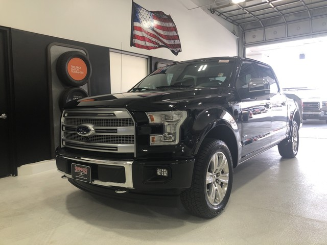 Pre-Owned 2017 Ford F-150 Platinum 4WD