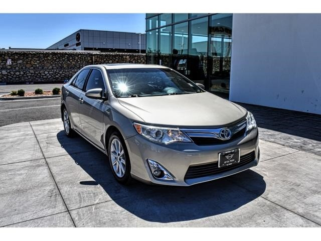 Pre-Owned 2014 Toyota Camry Hybrid LE