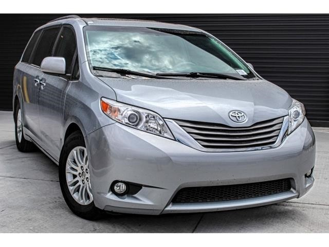 Pre-Owned 2014 Toyota Sienna XLE AAS