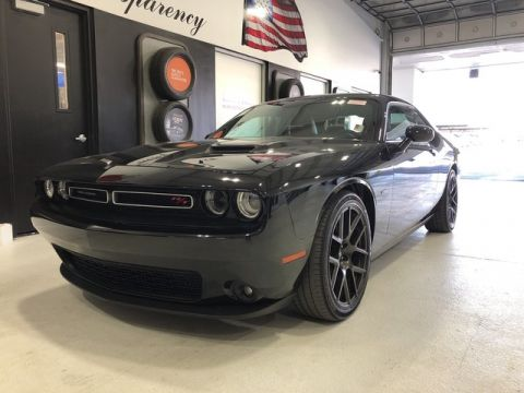 Pre-Owned 2017 Dodge Challenger R/T Plus